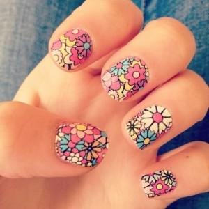 flores-superpuestas-de-muchos-colores