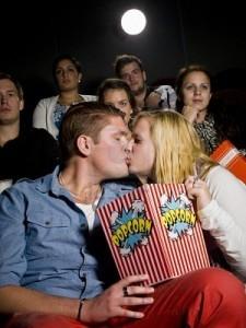 pareja-en-el-cine-225x300